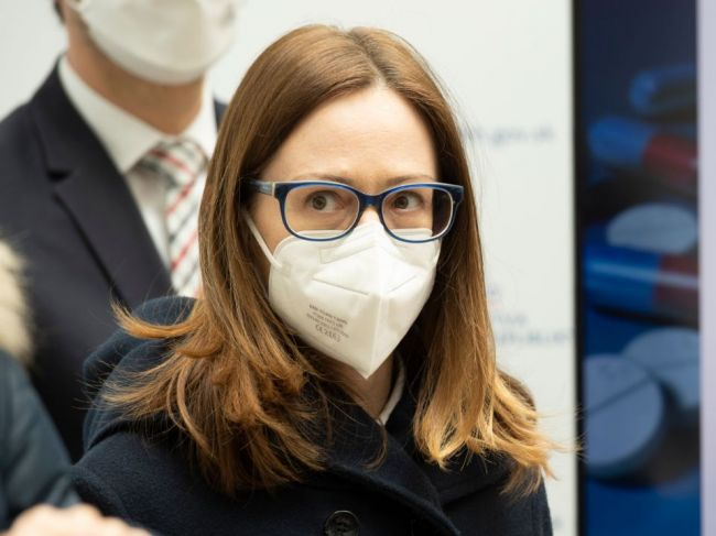 Dekan Farmaceutickej fakulty Univerzity Komenského navrhol oceniť riaditeľku ŠÚKL