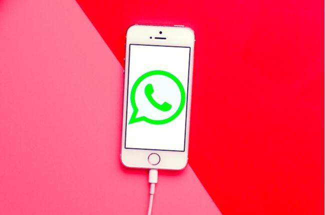Pozor na nebezpečnú ružovú správu: Takto vás môžu napadnúť cez chatovaciu aplikáciu