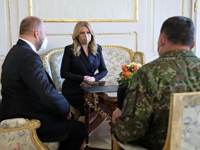 Prezidentka: Je potrebné, aby sa ozbrojené sily vrátili k príprave a výcviku