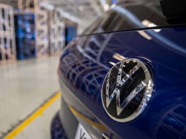 VW postupuje s budovaním siete fabrík na výrobu batérií