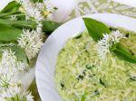 Recepty z medvedieho cesnaku: Talianske rizoto a kuracie stehná s medvedím cesnakom