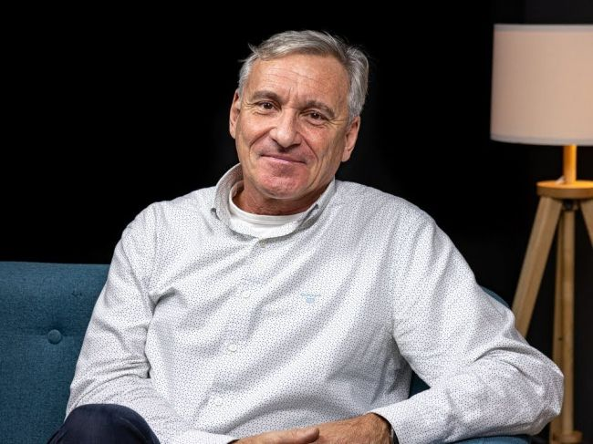 Jan Čenský, predstaviteľ mnohých filmových princov či kráľov, oslavuje okrúhle narodeniny