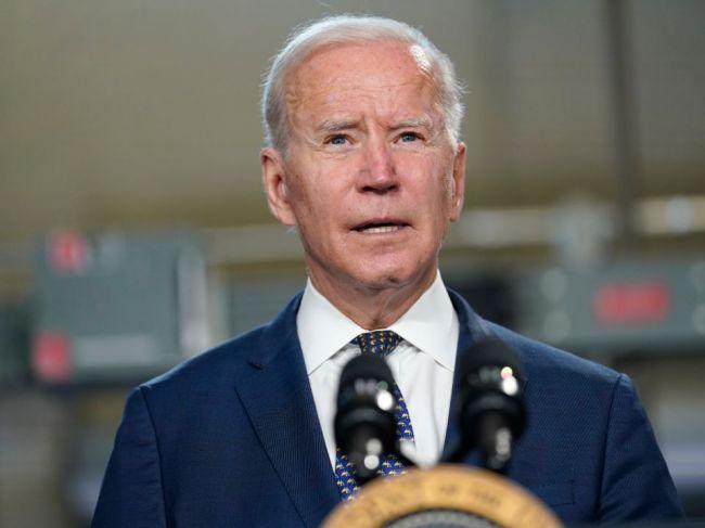 Biden zvýšil horný limit pre prijímanie utečencov