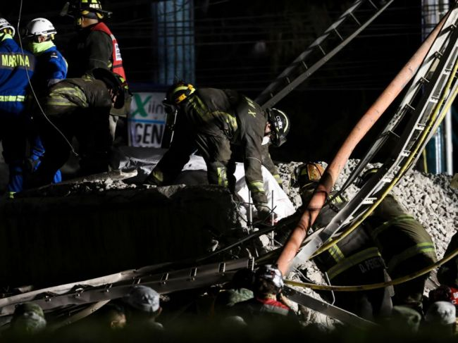Pri páde časti mosta zahynulo 23 ľudí, medzi nimi aj deti