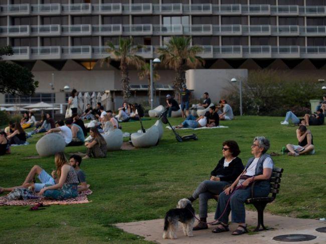 Počet pacientov s covidom vo vážnom stave v Izraeli klesol pod 100