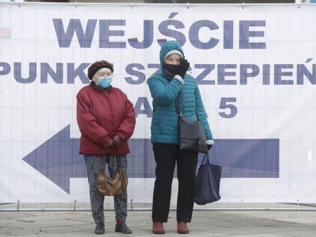 Poľsko otvára múzeá, nákupné strediská i časť škôl