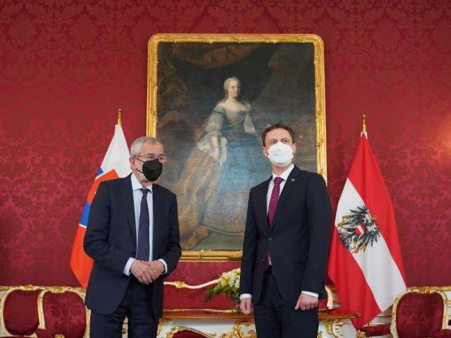 Premiér: Slovensko a Rakúsko musia rozvíjať potenciál vzájomnej spolupráce