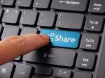 Facebook oznámil novinku, zdieľanie článkov nebude také jednoduché