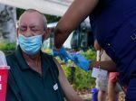 Krajiny chválené za úspechy v boji proti pandémii zaostávajú v očkovaní