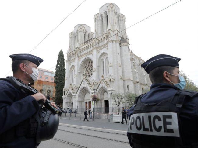 Námestie pred Notre-Dame opäť zatvorili, dôvodom sú častice olova