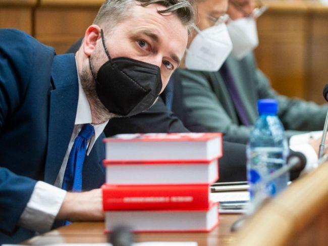 Súd zrušil neodkladné opatrenie o statusoch Ľuboša Blahu o vplyve Esetu na voľby