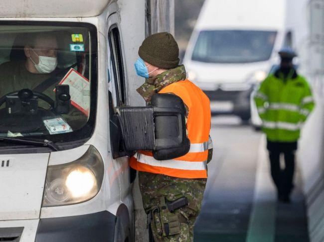 Pri vstupe do Rakúska zo SR sa od stredy ruší povinná karanténa