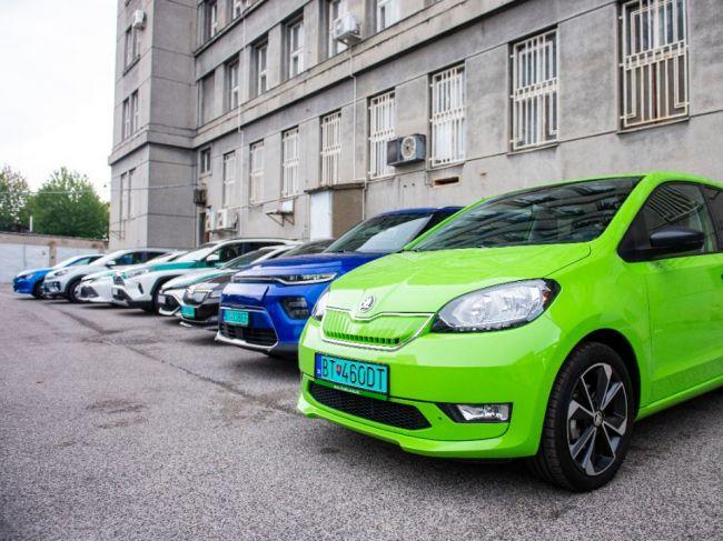 Do roku 2027 budú podľa štúdie elektrické vozidlá lacnejšie ako spaľovanie