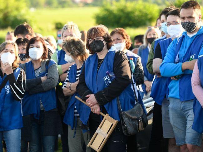 Zamestnanci strojárskej spoločnosti v Beluši vstúpili do ostrého štrajku