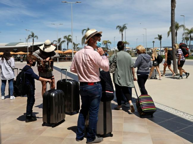 Krajiny EÚ sa dohodli na zmiernení cestovných obmedzení počas leta