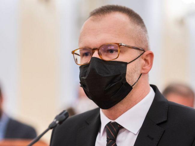 Vyšetrovateľ inšpekcie podľa krajského prokurátora zaistil v NAKA šesť spisov