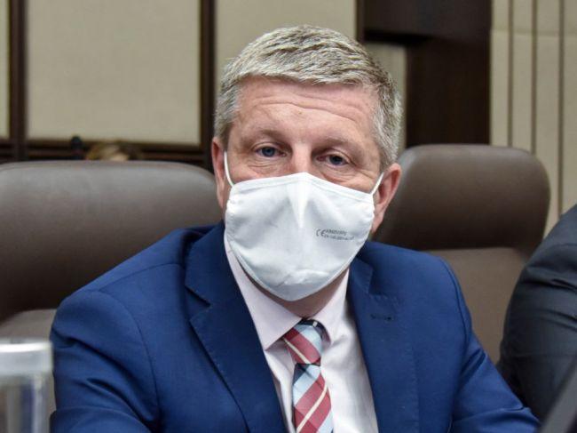 Minister Vladimír Lengvarský ocenil očkovanie seniorov výjazdmi do obcí