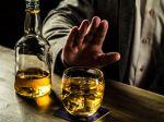 Vedecky overené: Jednoduchý trik, ktorý redukuje množstvo alkoholu, ktorý pijete