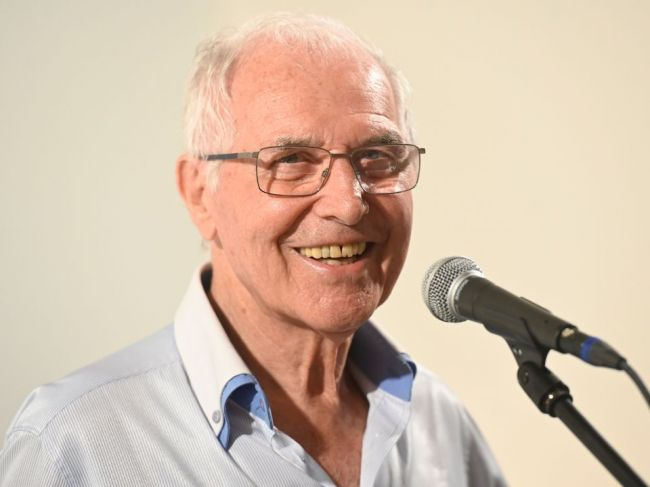 Herec Juraj Sarvaš, ktorý sa dal do služieb poézie, sa dožíva 90 rokov