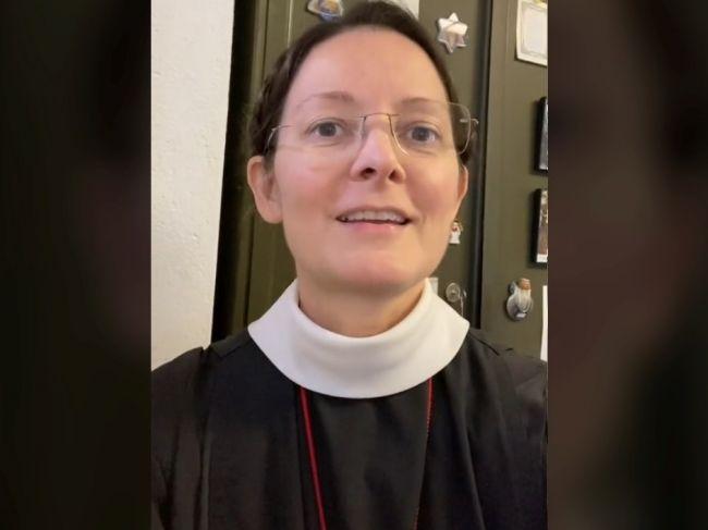 Video: Mníške nikto neverí, koľko má rokov. O kozmetické tipy sa podelila pred kamerou