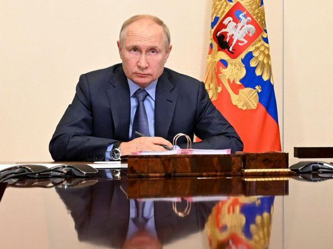 Putin vyzval na urýchlenie vakcinácie obyvateľstva