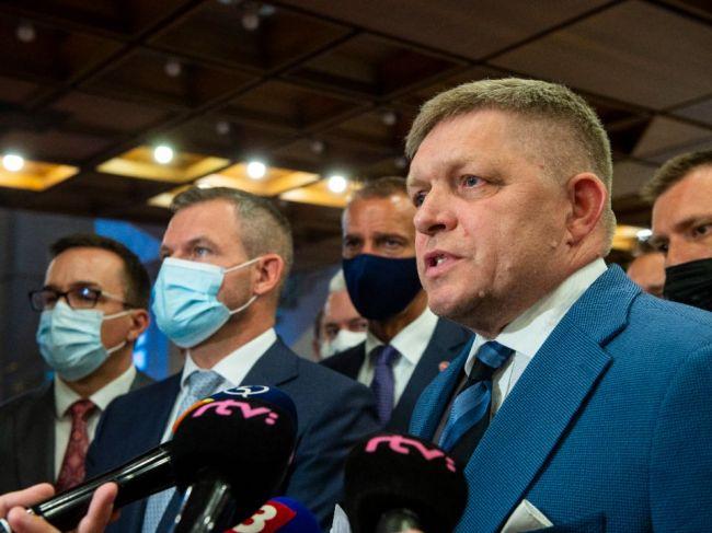 Premiér: Boj opozície proti očkovaniu je slovenským fenoménom