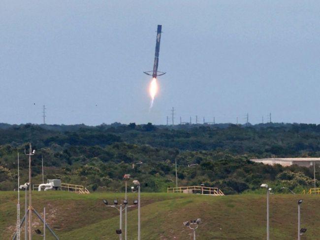 Vesmírnu misiu k mesiacu Jupitera zabezpečí spoločnosť SpaceX