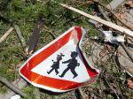 Českom sa v noci prehnali silné búrky, výstraha platí aj v pondelok