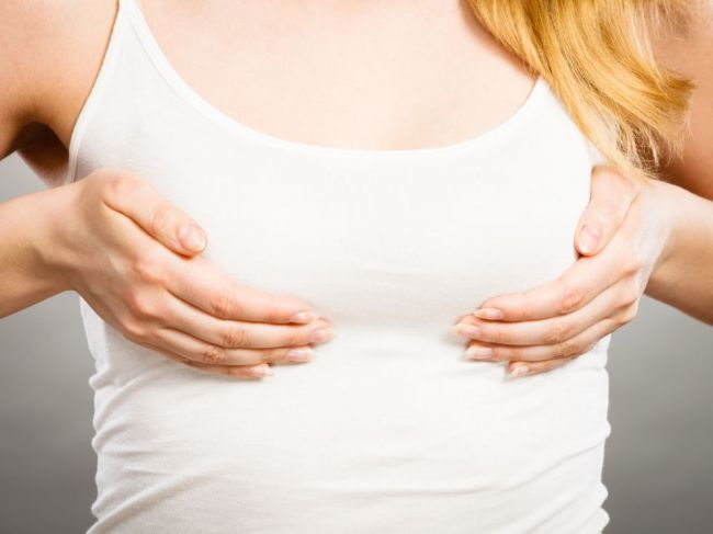 Prečo sa prsia pred tridsiatkou opäť zväčšujú?