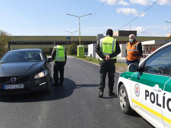 ÚVZ vyzýva občanov, aby pri prekračovaní hraníc rešpektovali pokyny kontroly