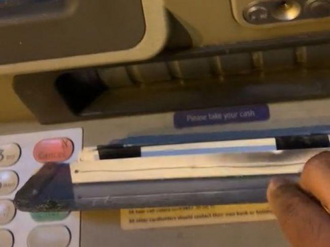 Zákazník upozornil na podvod s bankomatom. Takto prídete o peniaze