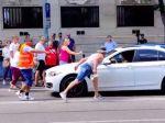 Polícia vyzýva ľudí, aby jej poslali videá z protestu v Bratislave