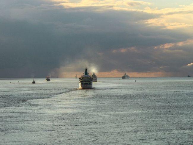 V Severnom mori chcú vybudovať plávajúci kozmodróm pre minirakety