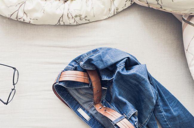 Do postele len v pyžame: Toto je dôvod, prečo je oblečenie na posteli tabu