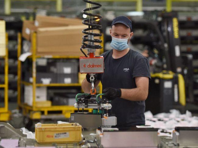 Firmy vytvorili v auguste 18.500 pracovných ponúk, najvyššie mzdy sú v IT