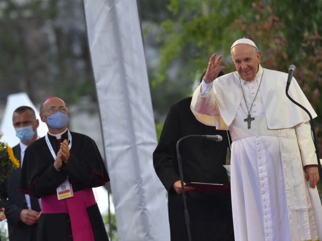 Svätý Otec František prišiel na Luník IX