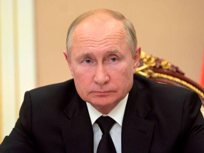Putin dúfa, že ho Sputnik V ochráni pred ochorením COVID-19