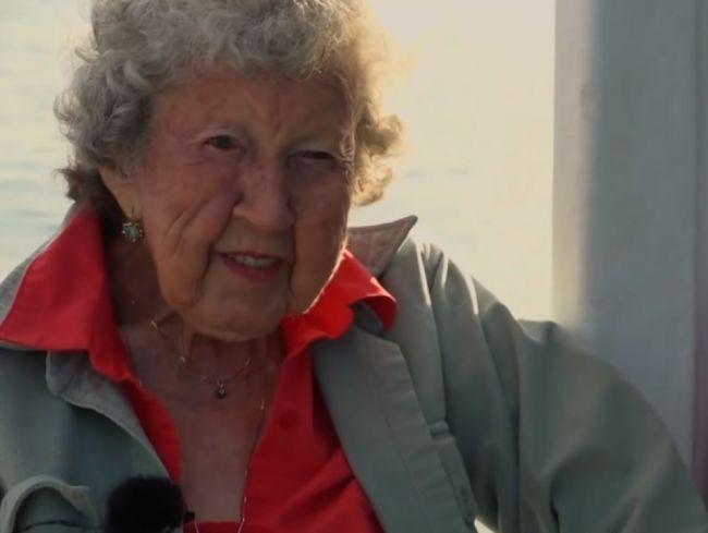 Video: Babička sa aj v 101 rokoch živí nebezpečným povolaním. Na dôchodok zatiaľ nemyslí