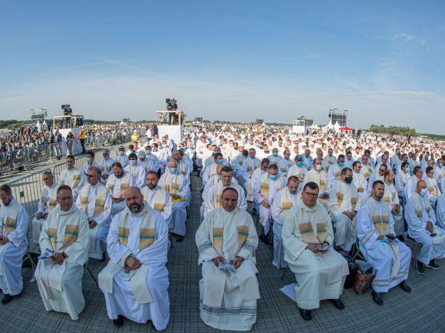 Na svätú omšu so Svätým Otcom do Šaštína prišlo viac ako 50.000 ľudí