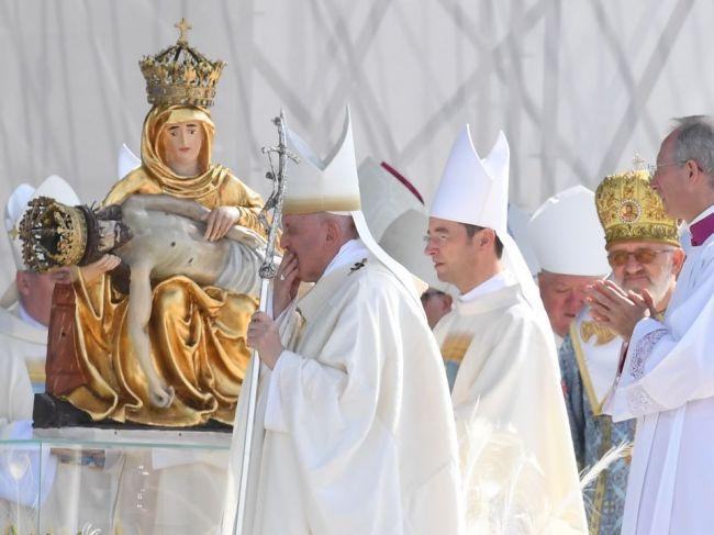 Prítomnosť Róberta Bezáka v Šaštíne bola podľa biskupov v poriadku