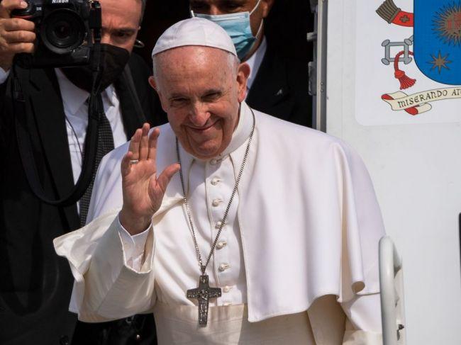 Pápež: Budem sa modliť za pokoj a blaho slovenského národa