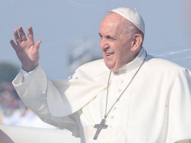 Svätý Otec požehnal základný kameň Univerzitnej nemocnice sv. Martina