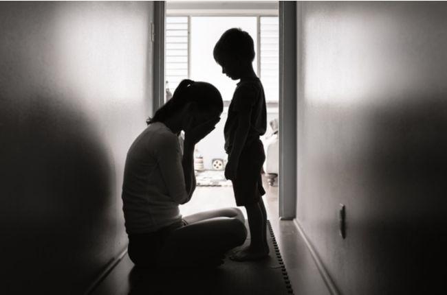 Deti, ktoré žijú v domácnosti s depresívnym človekom, pociťujú vážne následky