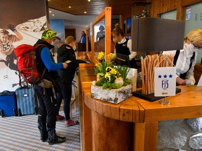 Hotely a penzióny navštívilo v júli viac hostí ako za celý 1. polrok 2021