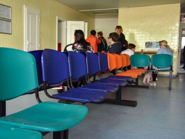 Nemocnice a ambulancie od vás pred vstupom môžu žiadať test alebo potvrdenie o očkovaní