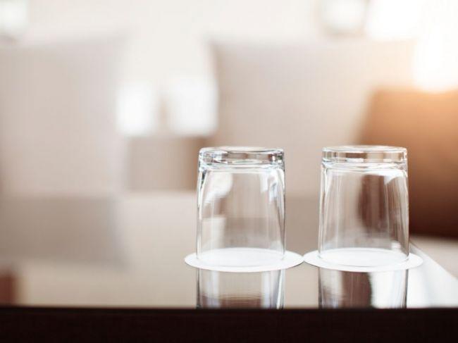 4 veci, ktoré by ste v izbe v hoteli nemali používať: Na kávovar ani nepomyslite!