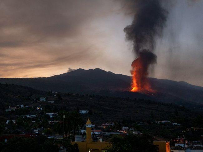 Na ostrove La Palma pre sopečnú činnosť uzavreli letisko