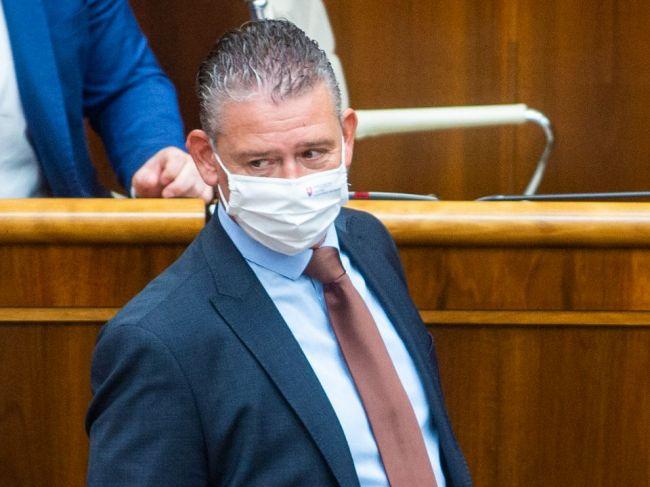 Šeliga volá po zmenách na ÚIS, Raši trvá na výmene Romana Mikulca