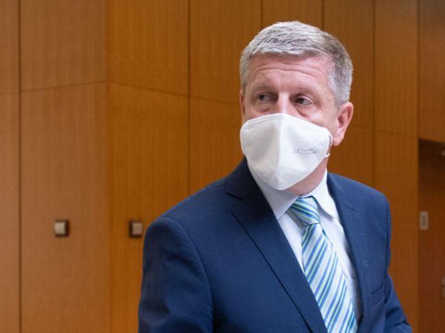 Vladimír Lengvarský pripúšťa sprísnenie protipandemických opatrení