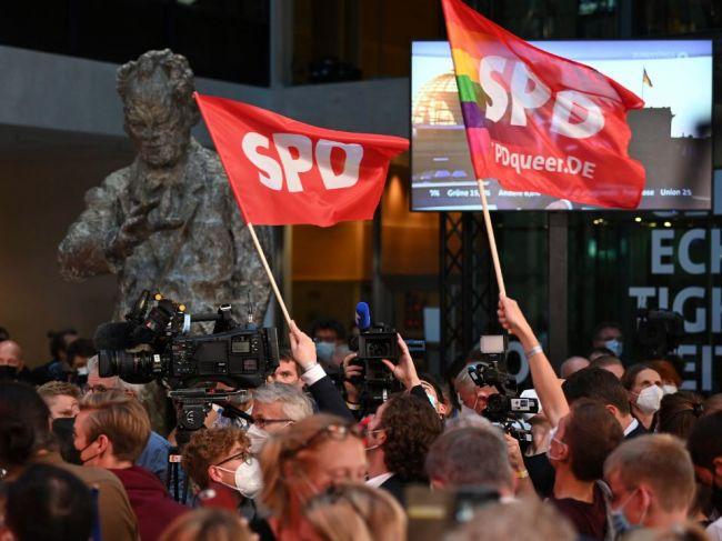 SPD tvrdí, že získala mandát na vládnutie, CDU je z výsledkov sklamaná